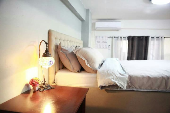 Myspace-C loft Makati' good for 4 pax