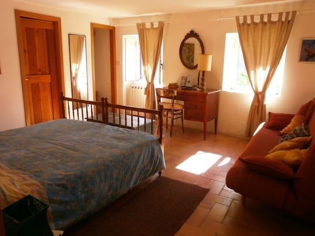 Casale grande nel bosco con piscina - Belmonte In Sabina - Apartament