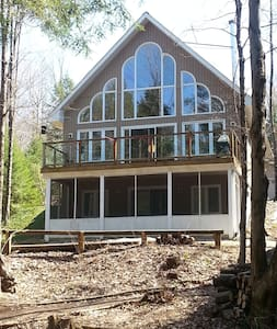 The Perfect Riverfront Chalet-Summer is coming! - Bracebridge - Kulübe