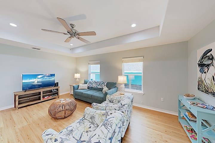 Heron's Hideaway: Brand-New Home w/Porch, Near Bay