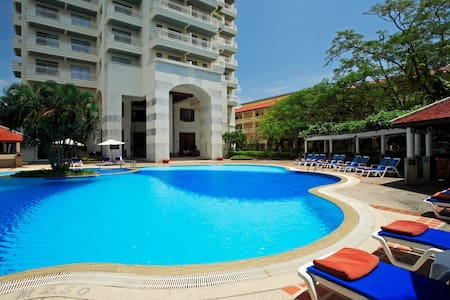 Waterfront 1 bedroom Suites- A - Karon