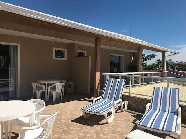 Apartamento en la playa de Pinheira/SC