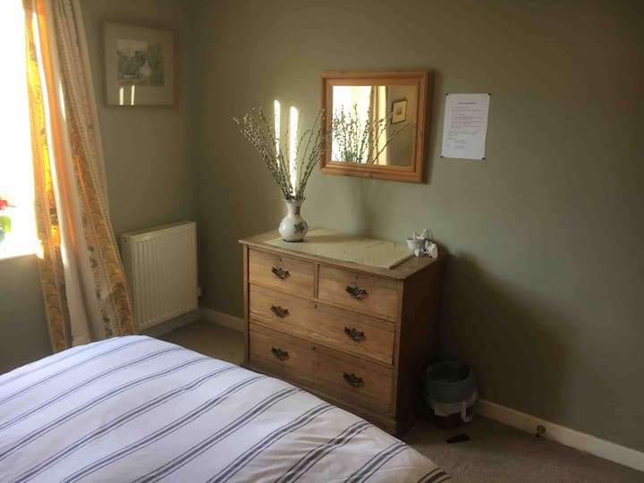 Double room in warm, modern flat
