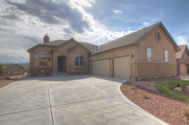 Beautiful New North Colorado Springs Home - Colorado Springs - Casa