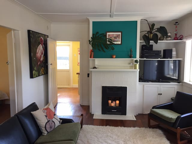 Lazy Days Beach Bungalow. - Muriwai - Bungalow