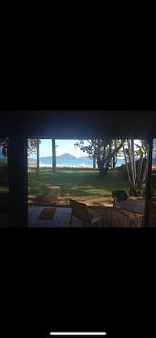 Casa pé na areia - Ubatuba - Praia do Tenório
