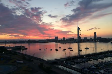 Awesome Harbour/Solent views Flat - Apartamento