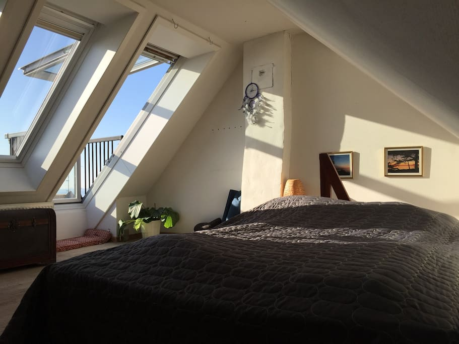 Morning light and sea view from  Master bed room
