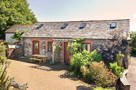 Stables - Stunning barn conversion north of Bude - Woolley