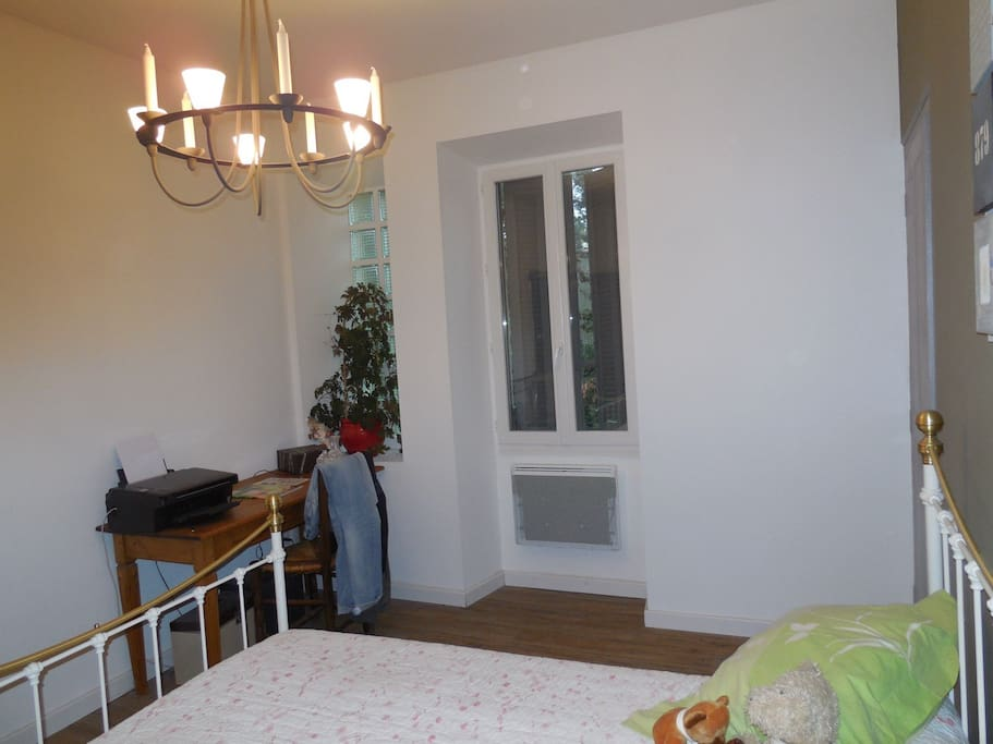 Chambre d 39 hote au calme houses for rent in avignon for Chambre d hote avignon