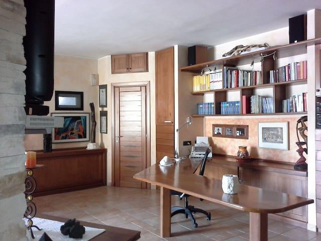 Camera salone bagno 5 posti - Tovo San Giacomo - Bed & Breakfast