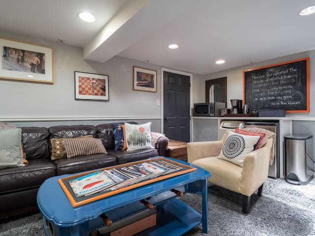 Charming Renovated 1 BD/1 BA Cap Hill In-Law-Suite