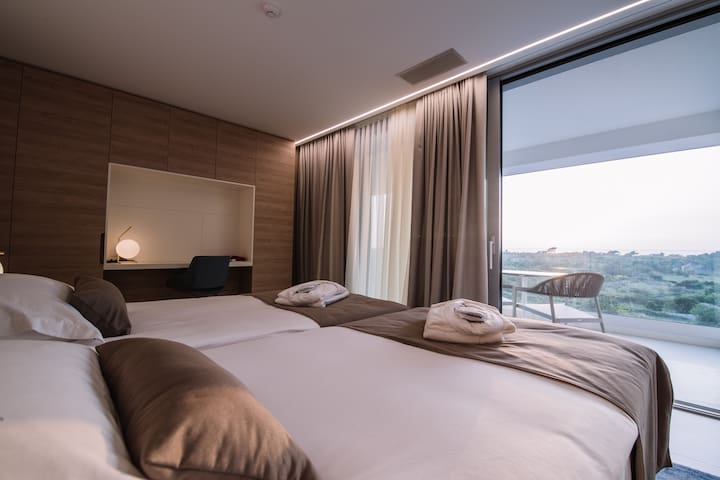 Joel Hotel - One Bedroom Apartment Sea View