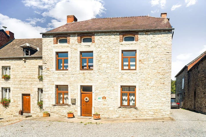 Plush Holiday Home in Matagne-La-Petite with Private Garden