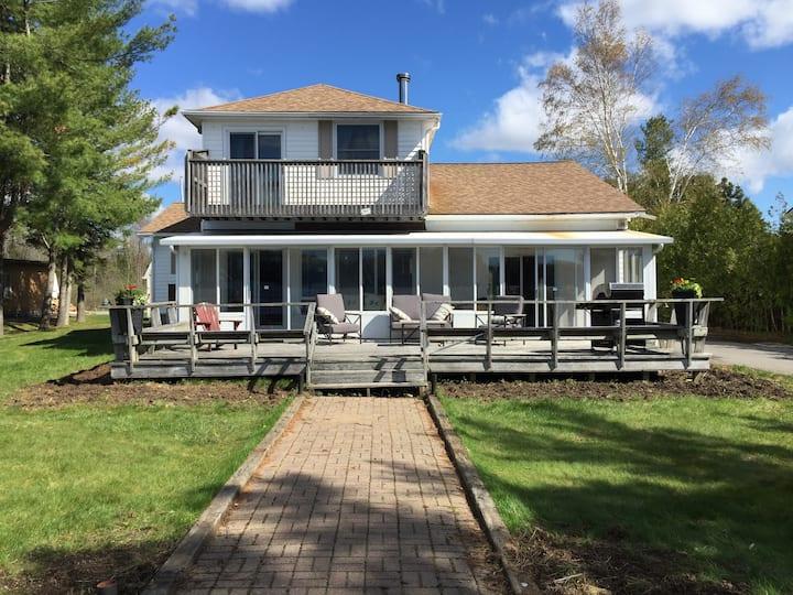 Spacious Lake House on Jacks Lake