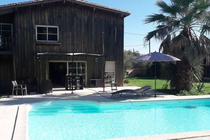 Magnifique   villa  pierre piscine 15 MIN Bordeaux