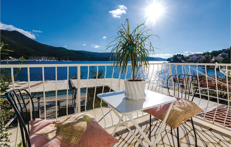 Holiday apartment with 1 room on 17m² in Slano