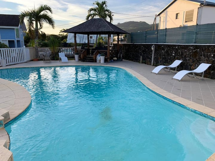 Apartment with one bedroom in Saint Joseph, with shared pool, enclosed garden and WiFi