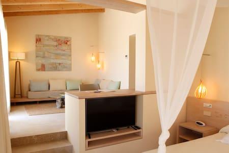 Aina Suite con piscina privada - Sant Llorenç des Cardassar