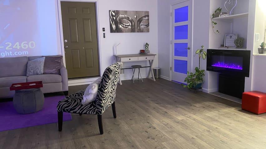 The Zen Den:  Atlanta Lux Studio Garage Apt
