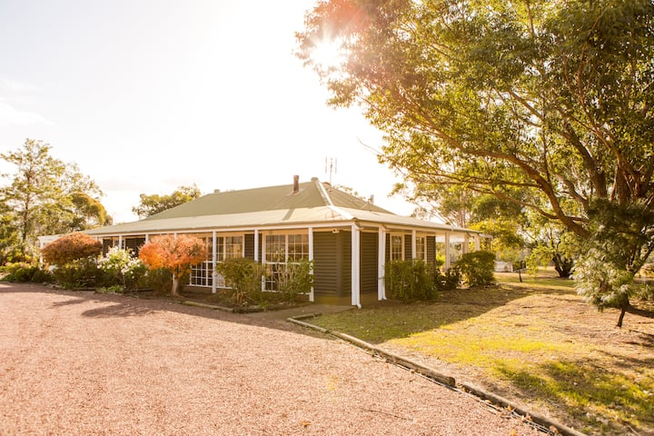 Large Villa on Private Vineyard in Prime Location