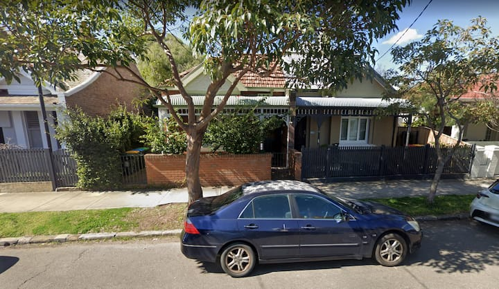Charming Annandale family house close to the CBD
