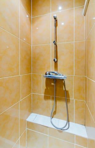 douche 1 avec robinet thermostatique