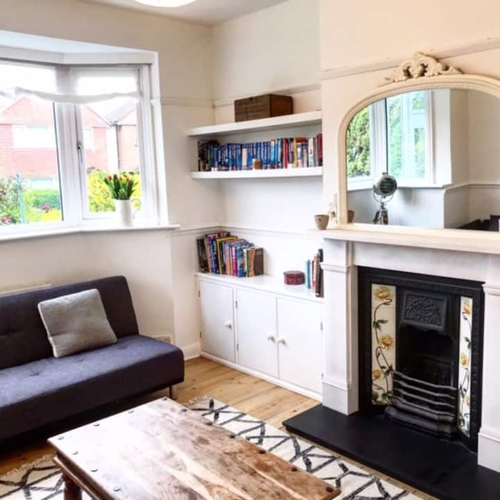 Large family home with garden near railway station
