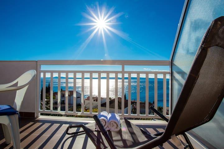 Balcony,Railing,Furniture,Crib,Porch