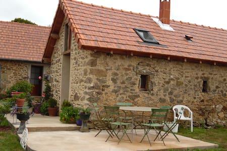 chambre écolo à la ferme avec coin cuisine - La Croisille-sur-Briance
