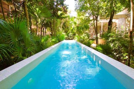 TAO Luxury Condo in Paradise 2bdrm 2 baths