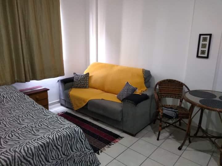 Flat Rua Rei Alberto - ÓTIMA localização/reformado