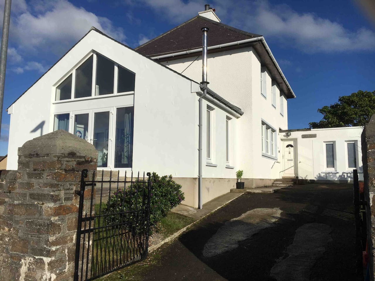Ingleside, Cromwell Road, Kirkwall, the former coastguard's house, your Orkney base for a perfect break overlooking the sea and within an easy short walk of the town centre.