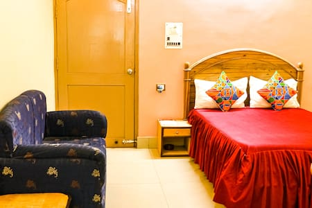 Deluxe Room-2 People-Near Airport-Bypass Rd Patna