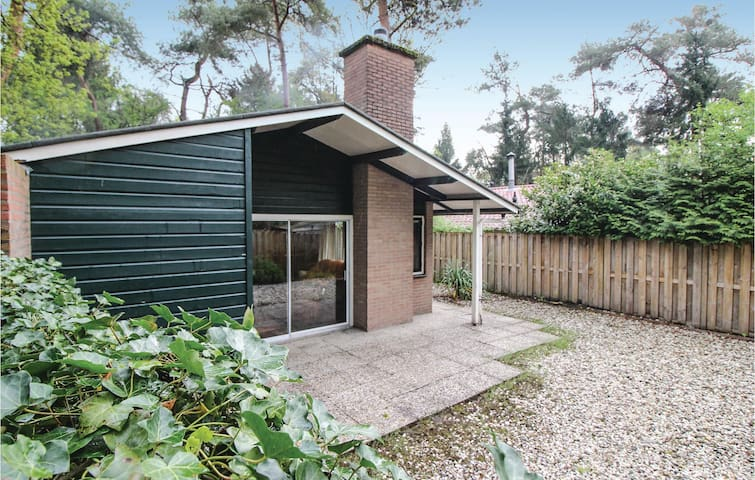 Nice home in Rheezerveen with WiFi and 2 Bedrooms
