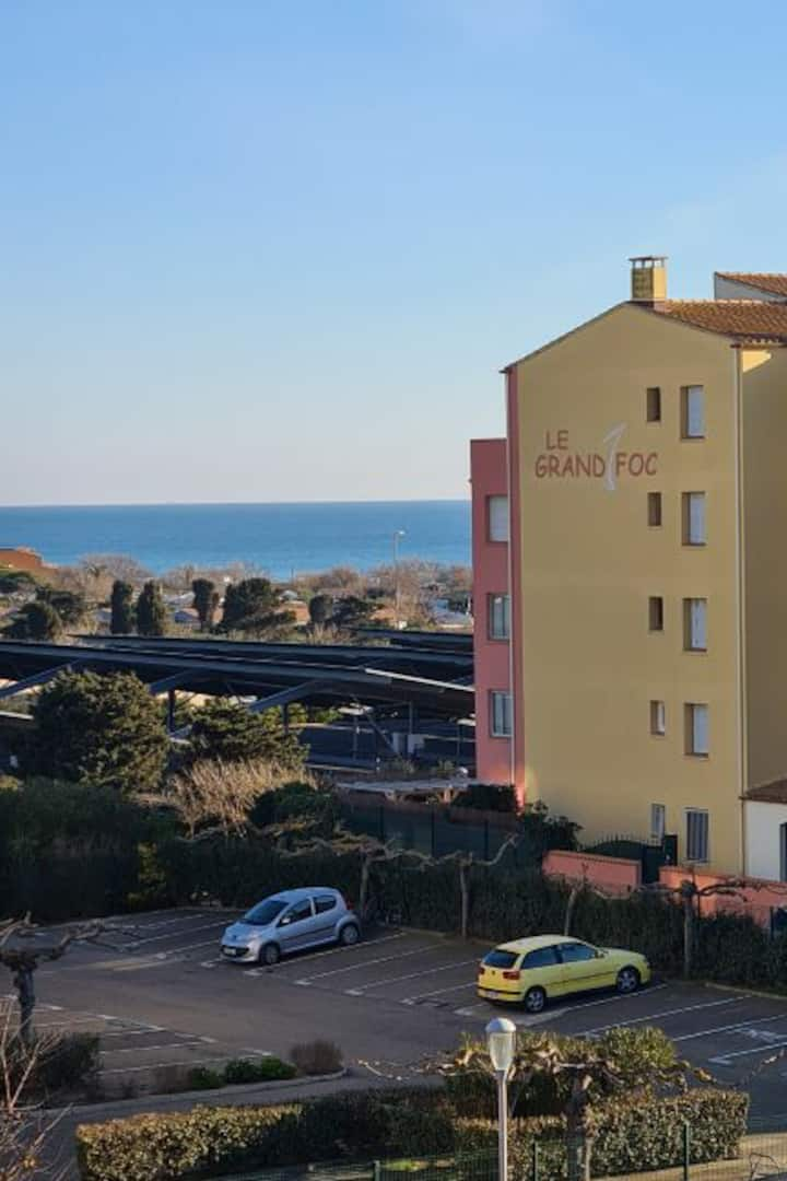 Charmant Studio balcon front  mer parking privatif