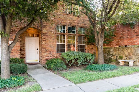 3 BR Euless Vacation Home - Euless - House