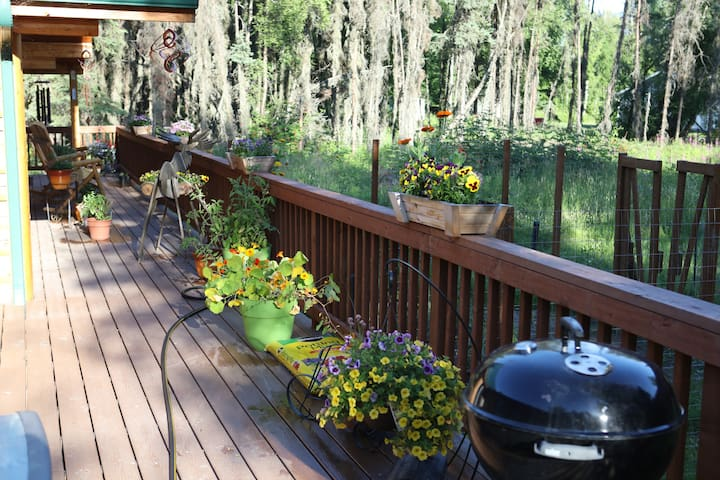 Deck with flowers