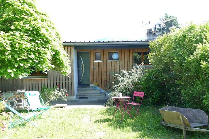 Studio avec jardin et parking privés