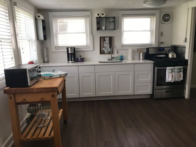 Little Country House In The City Private Quiet Official Lexington Kentucky Ky Usa 1 Bedroom 1 Bathroom