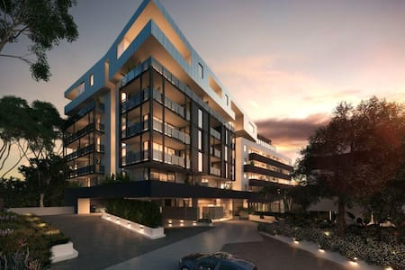 Modern & Brand New....Your Home away from Home! - Maribyrnong - Byt