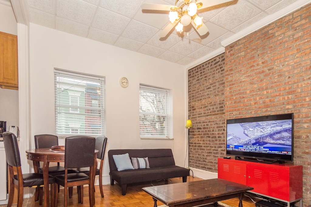Lovely hoboken apartment w deck close to nyc for Appartamenti affitto nyc