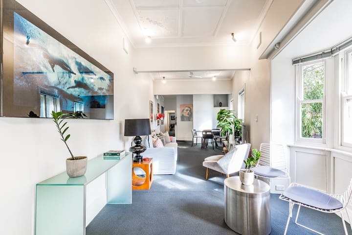 Cool Inner City Apartment - Close To Everything