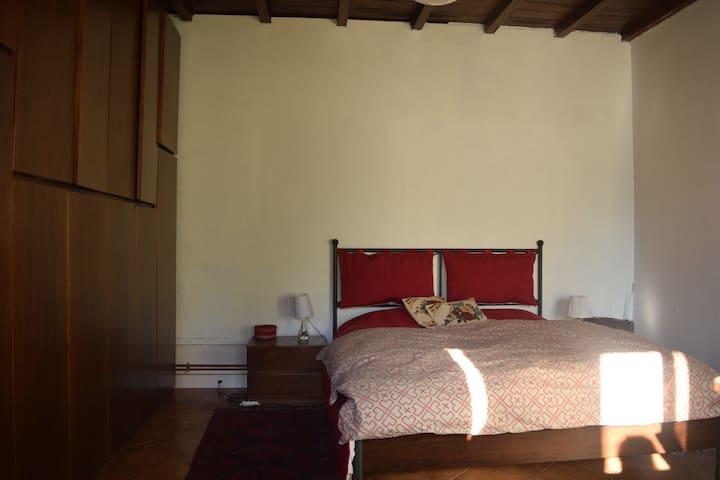 meublé dans maison individuelle - Orange - Huis