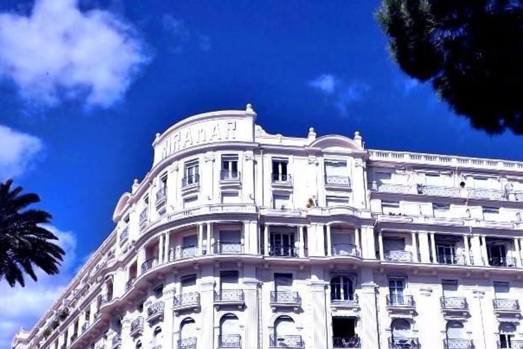 Le Palais Miramar sur la Croisette
