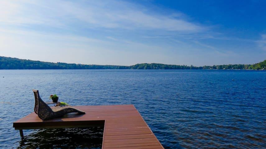 Magnifique Chalet sur le bord du Lac Connelly - Saint-Hippolyte