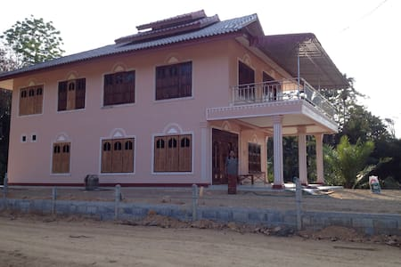 Nakhonsithammarat big house+3meals,transfer