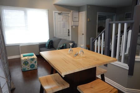 Professionally Cleaned 2-Level Studio Loft Condo