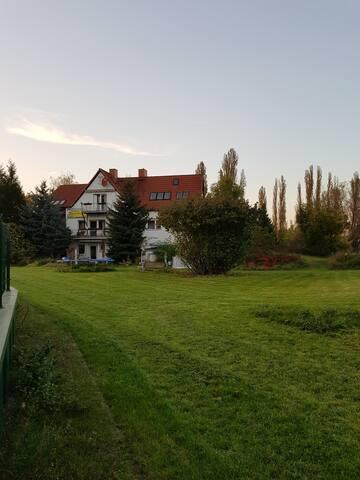 Merseburg  Wohnung am Saaleufer mit Garten