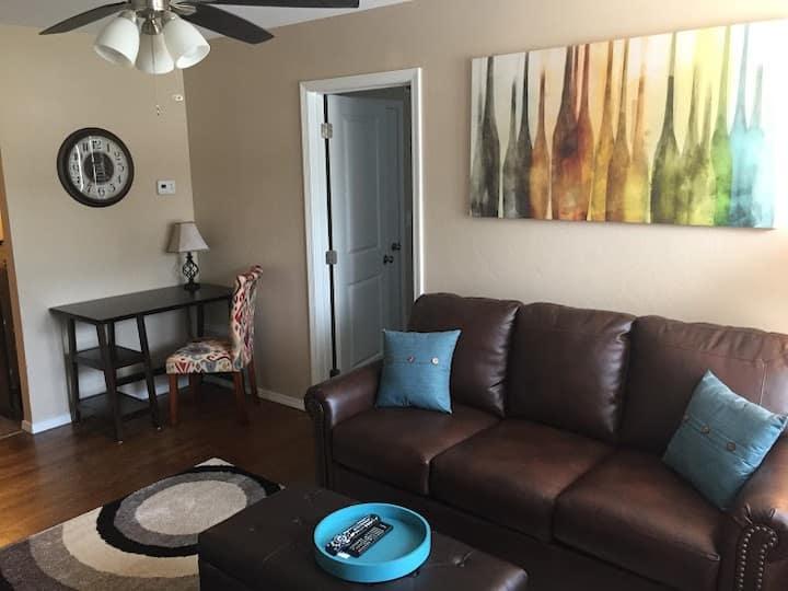 Redbud Place, Condo #6 ($59 per night 30 nights+)